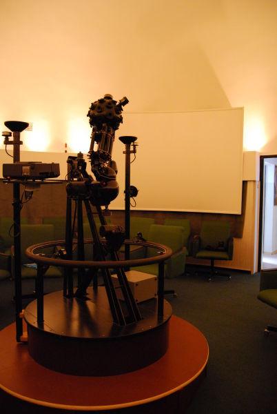 Pod kopułą planetarium  Akademii Marynarki Wojennej w Gdyni