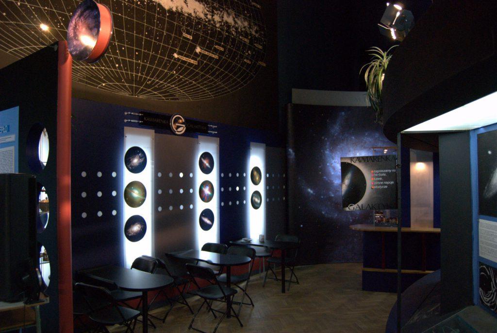 Wnętrze sali poświęconej Kosmosowi w Muzeum Techniki w PKiN